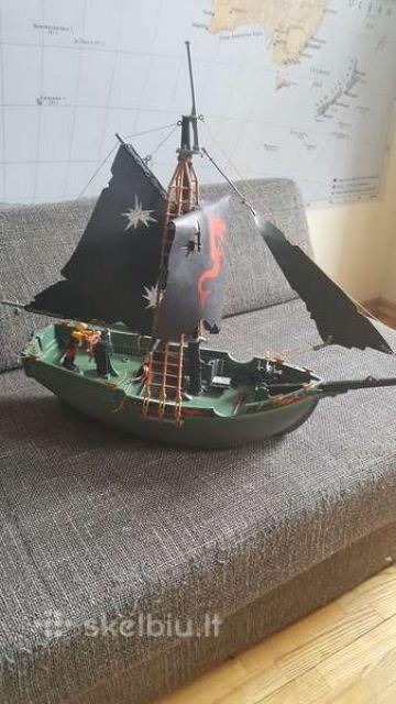 Laivas valdomas pulteliu