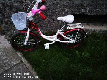 baltas dviratukas