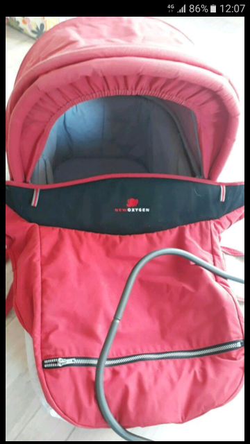 Raudonas bebe confort prelude lopšys