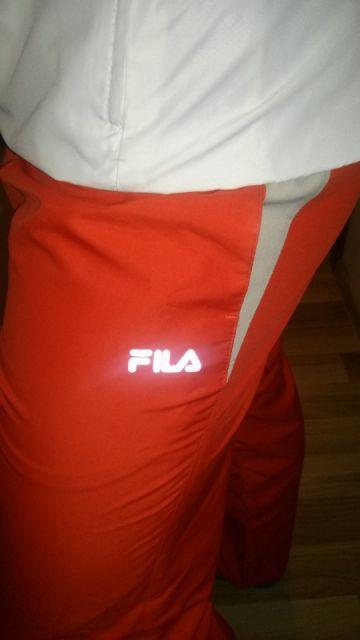 Vyriškas ryškus sportinis kostiumas Fila
