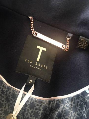 Ted Baker paltas