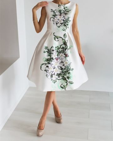 Stilinga proginė suknelė, Puošni suknelė