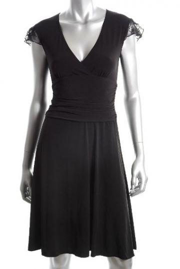 135. Nuostabi suknelė, tinkanti bet kokiai progai,