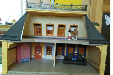 Naudotas Playmobil dviejų aukštų namas