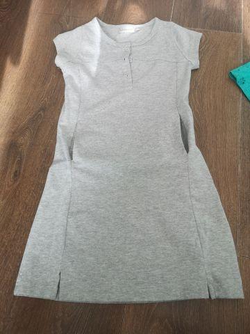 Pilka suknelė su kišenėmis