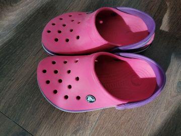 Rožiniai Crocs'ai
