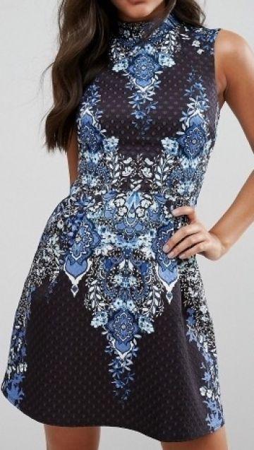 Nauja, gėlėta Lipsy suknelė