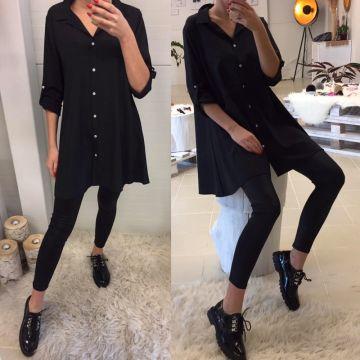 Stilingi juodos spalvos marskiniai