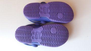 Violetiniai Crocs sandalai C10