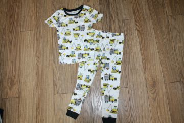 Medvilninė pižama 4 m. berniukui trumpomis rankovėmis