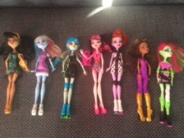 7 Monster High lėlės