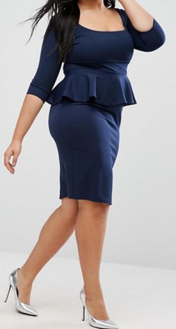 Tamsiai mėlyna Peplum tipo suknelė